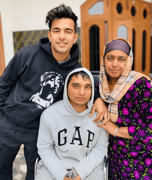 Jass Manak with his Family